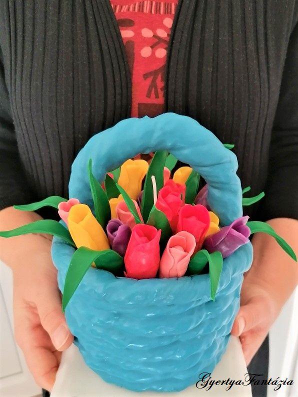 kék virágkosár logós